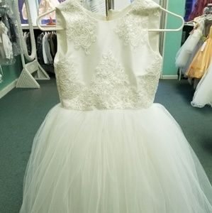 Beautiful flower girl/ special occassion dress